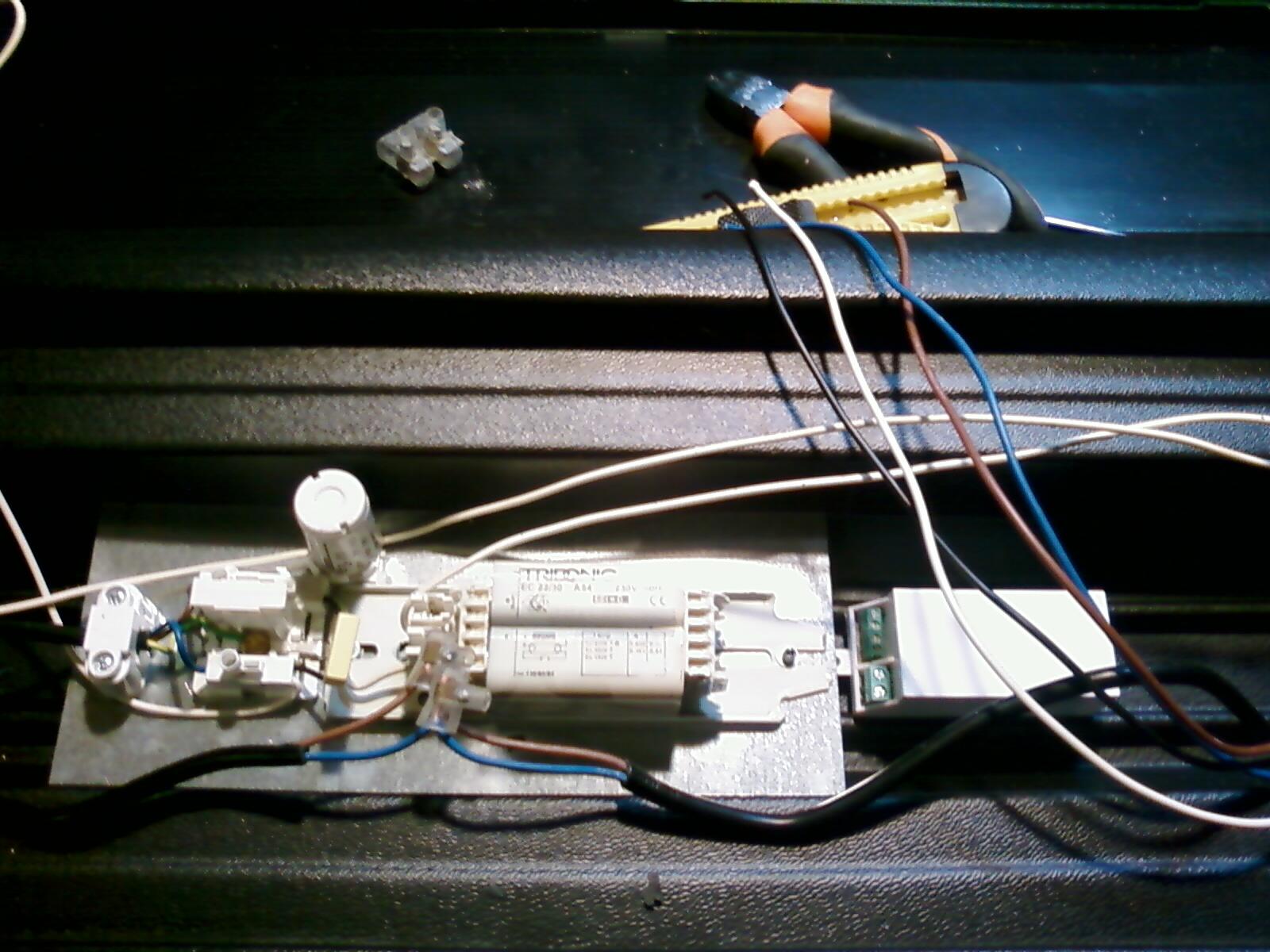 Schema Collegamento Neon : Ova lampade emergenza schema collegamento luxury ova lampade